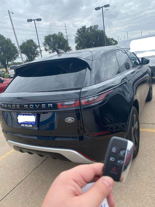 2020-land-rover-Range-Rover-added-key